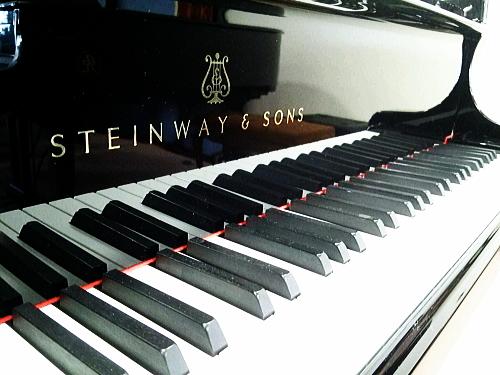 グランドピアノは最高相場で。